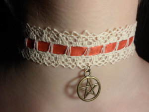 2555-red-pentacle